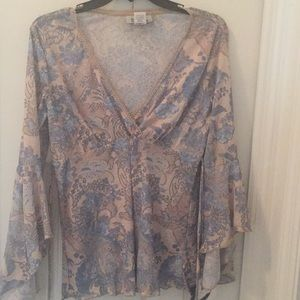 Flowy shirt with delicate muted floral pattern